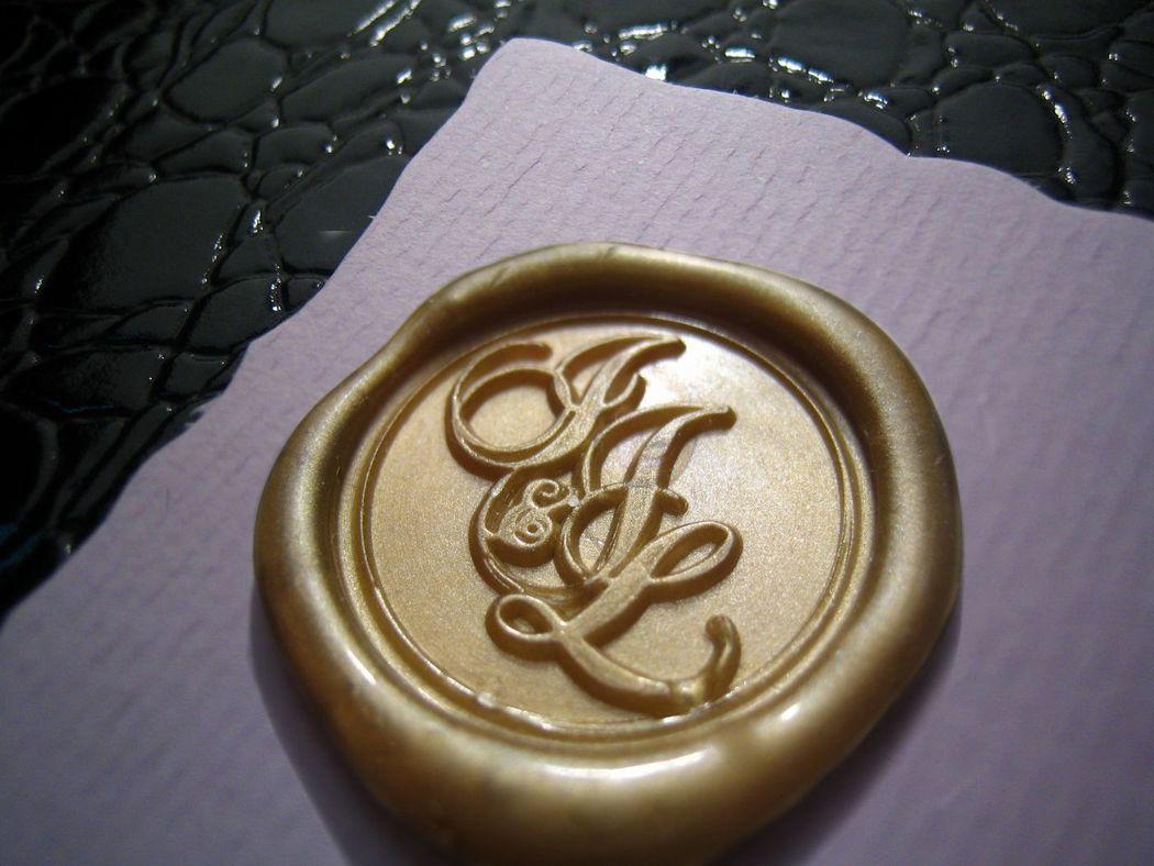 Invitaciones lacradas (oro).  www.royallacre.com