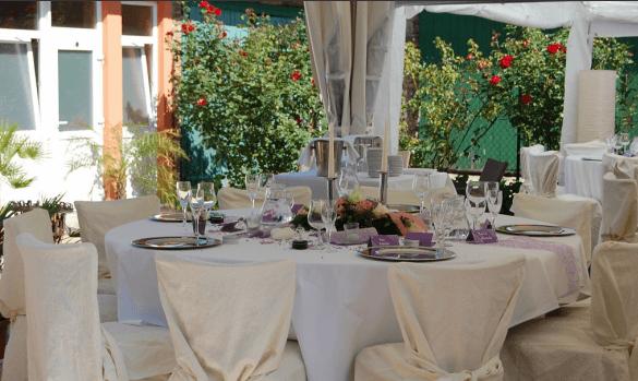 Beispiel: Hochzeitsgedeck, Foto: Hofgut Rheingrafenstein.