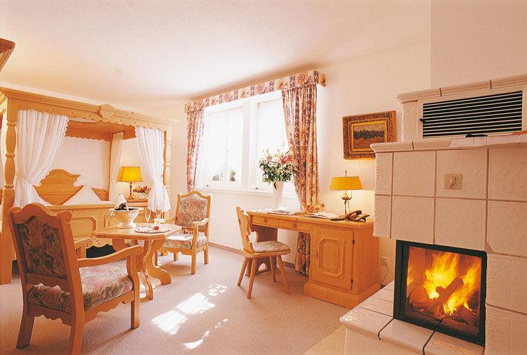 Beispiel: Junior Suite, Foto: Landgasthof zu den Drei Sternen.