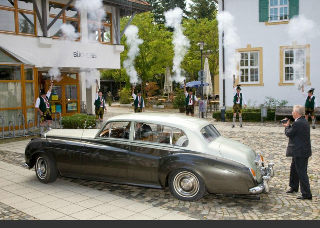 Beispiel: Zeremonie, Foto: Rolls Royce Silver Cloud.
