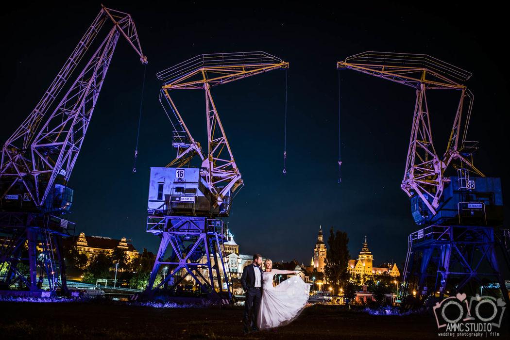 sesja ślubna nocą