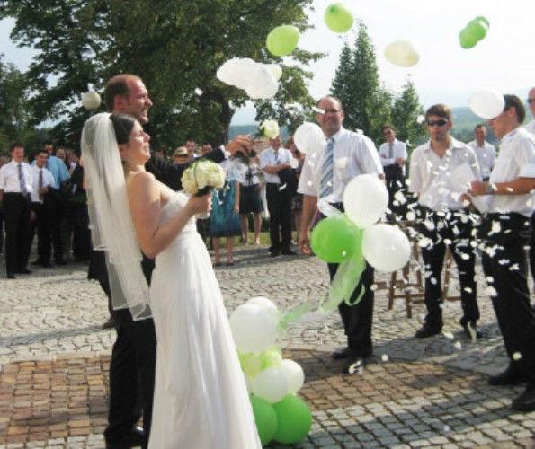 Beispiel: Luftballons zur Hochzeit, Foto: Erlebnis Dekoration.