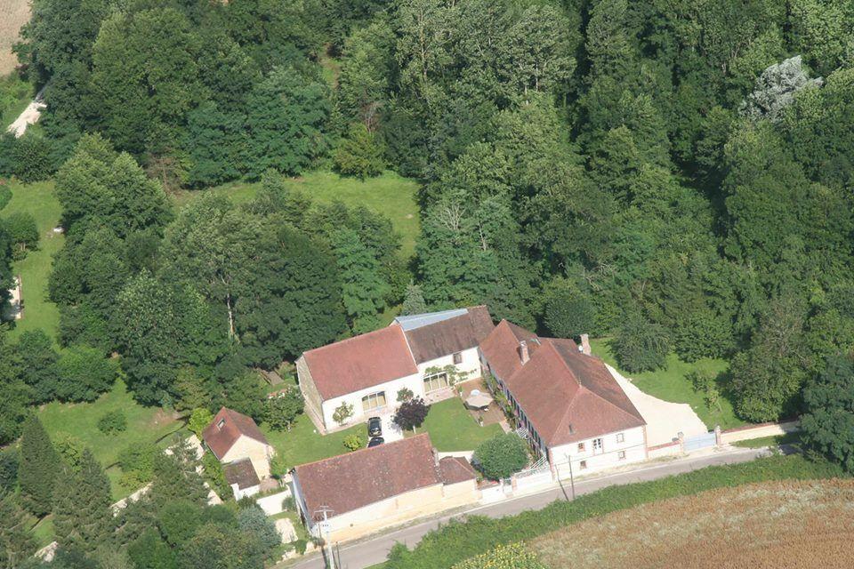 Vue aérienne du Domaine des Granges avec son parc