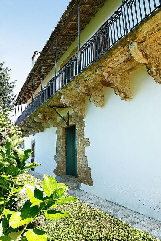 El gran balcón de la fachada posterior