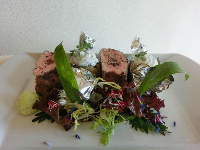 Beispiel: Gastronomie, Foto: Schloss Ettersburg.