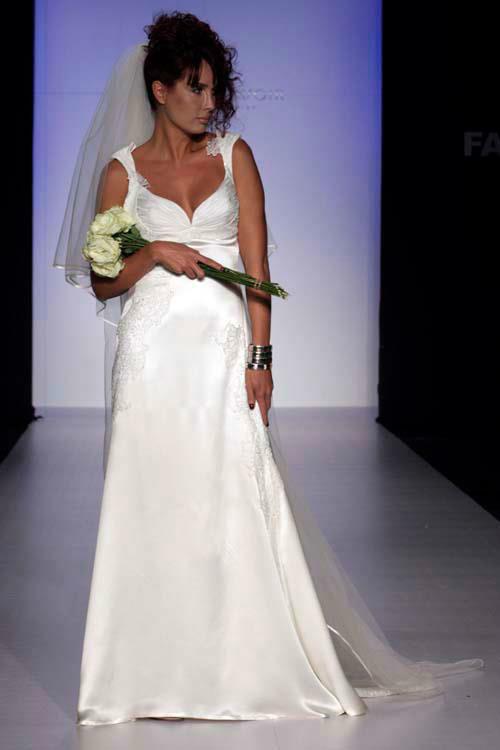 Vestidos y accesorios para novia - Foto Alana Savoir