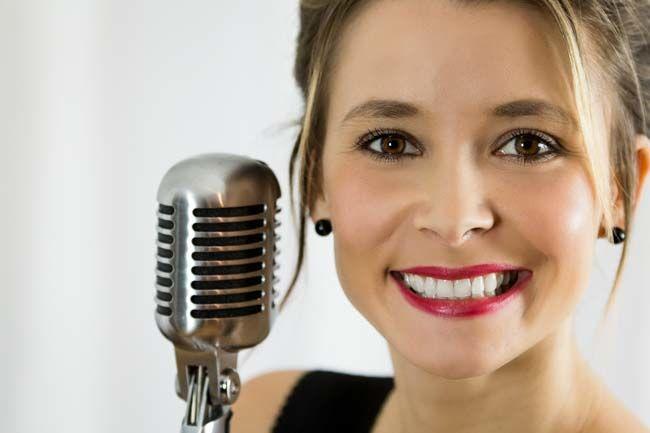 Bianca chanteuse pop/jazz/swing mariage http://www.jazz-manouche.clementreboul.com/