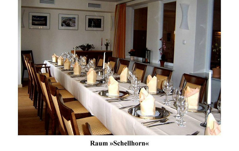 Beispiel: Festtagstafel, Foto: AKZENT Landhaus Schellhorn.
