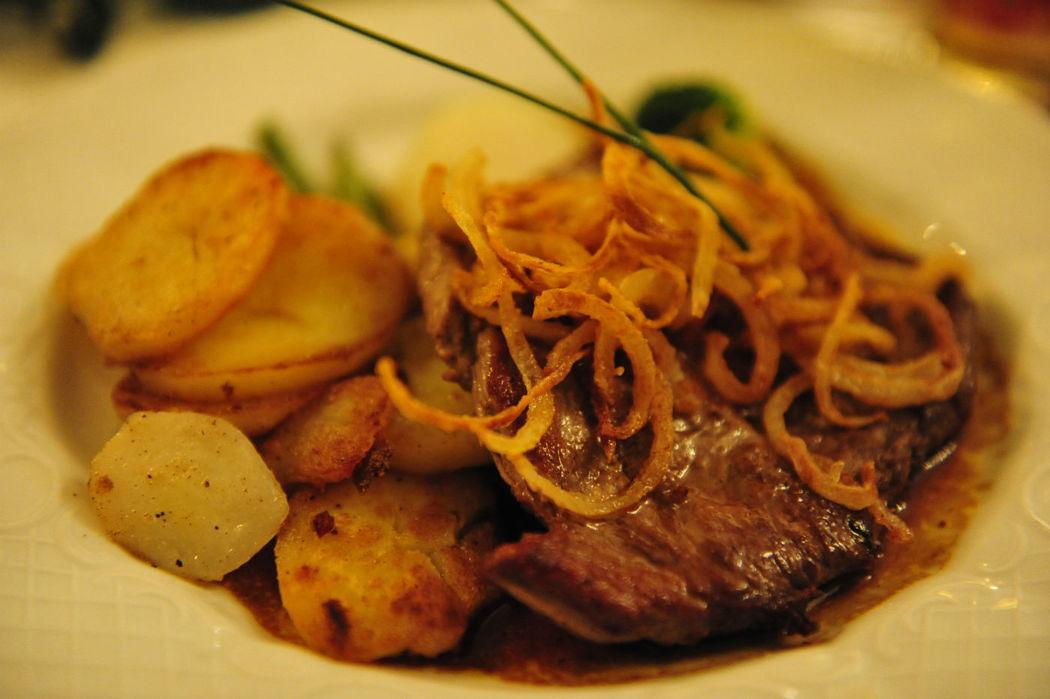 Beispiel: Restaurant Essen, Foto: AKZENT Hotel Altdorfer Hof.