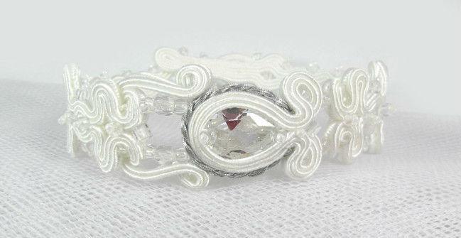 Małgorzata Sowa - PiLLow Design, Biżuteria ślubna sutasz. Śnieżnobiałe sztyfty oraz bransoleta z cyrkoniami