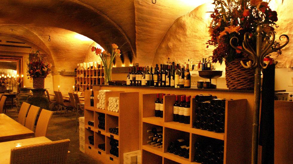 Beispiel: Große Auswahl an Weinen, Foto: Hotel Hirschen.