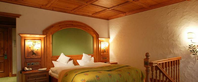 Beispiel: Zimmer, Foto: Göbel's Schlosshotel.