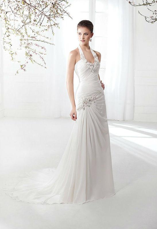 Beispiel: Brautkleid mit Neckholder, Foto: Boutique Berner.