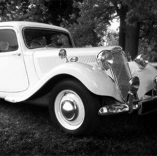 Beispiel: Hochzeitsauto, Foto: Berlin und Hochzeit.