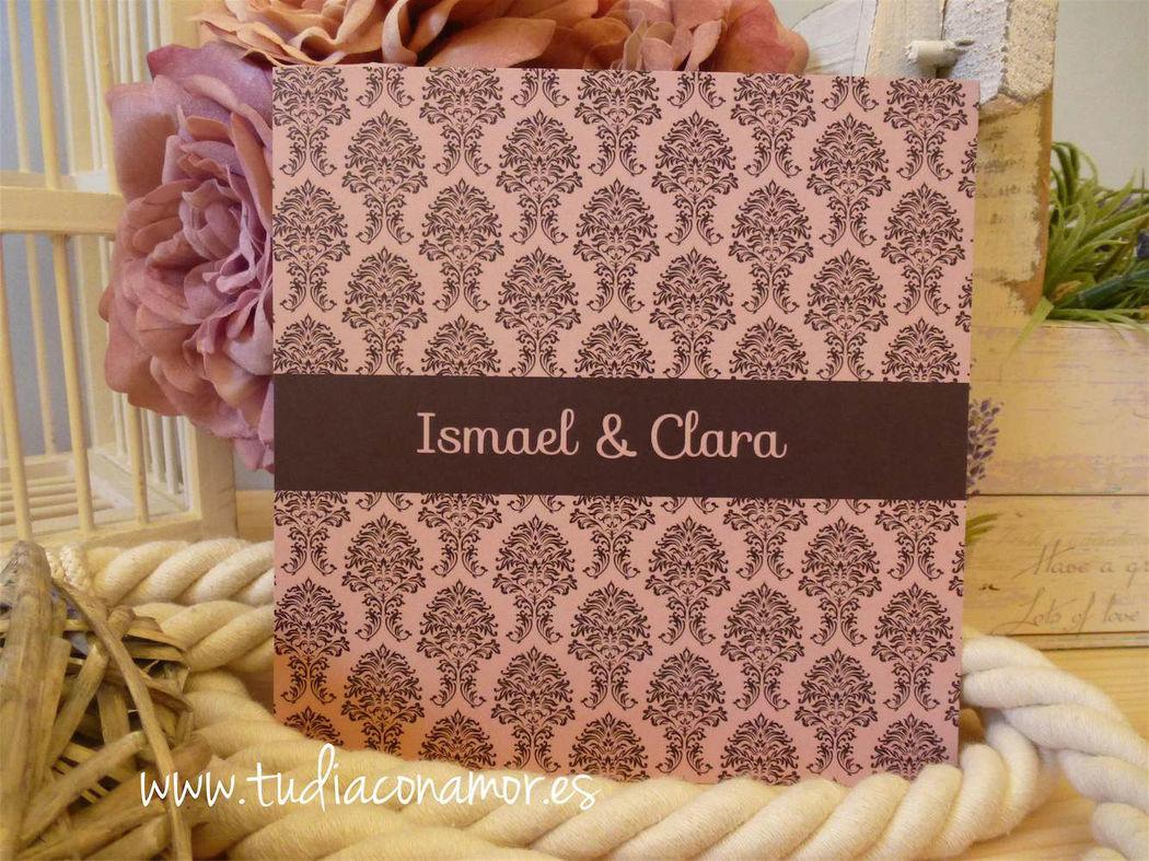 Invitación de boda en tonos rosas y negros, elegante y sencilla