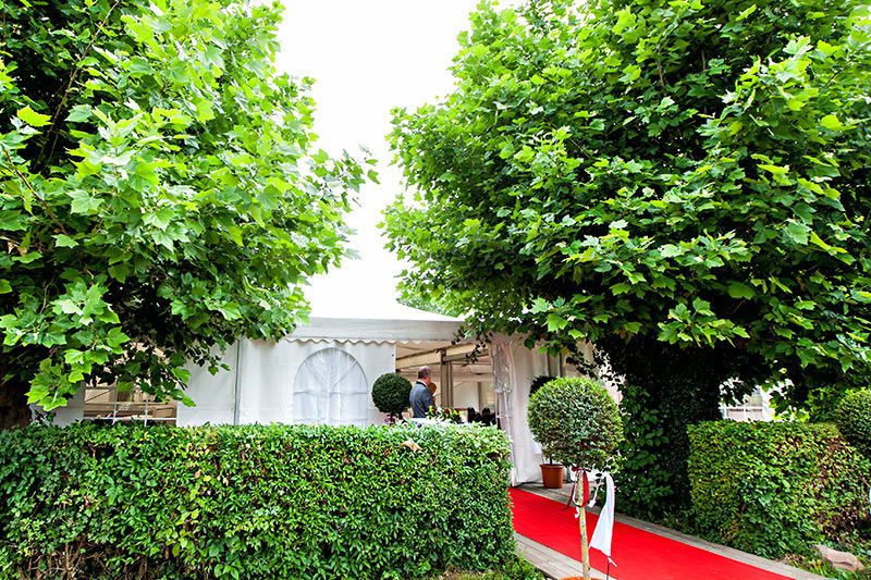 Beispiel: Außenbereich - Roter Teppich, Foto: Moods Bar & Restaurant.