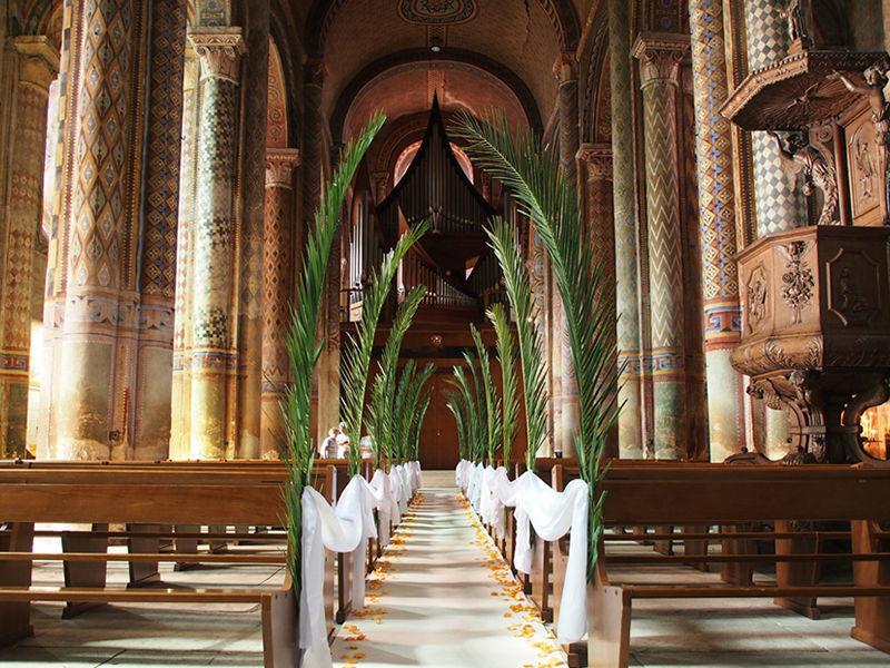 Décoration cérémonie de mariage - église Notre Dame - Poitiers - Thème tropical