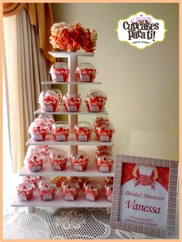 Cupcakes para ti! Torre de cupcakes para Shower de Novia
