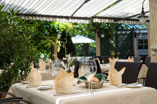Beispiel: Gartenterrasse, Foto: Hotel Hubertushof Anif.