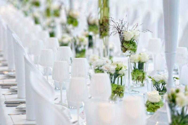 Beispiel: Hochzeitsgedeck, Foto: Ellington Hotel.