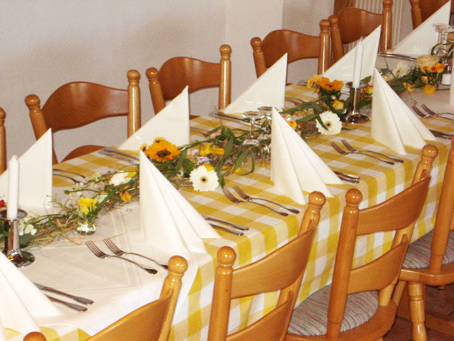 Beispiel: Festtagstafel, Foto: Landgasthof Berg.