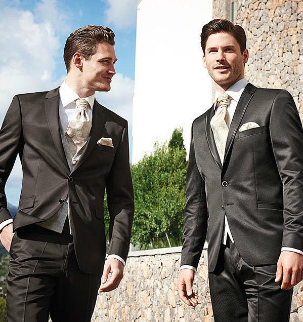 Beispiel: Hochzeitsanzüge, Foto: Milano Männermode.