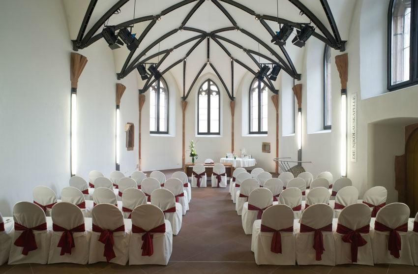 Beispiel: Trauungszeremonie, Foto: Die Nikolauskapelle.