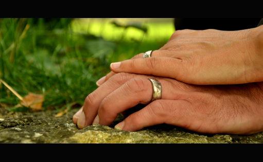 Beispiel: Brauthände, Foto: Hochzeitscouch.ch.