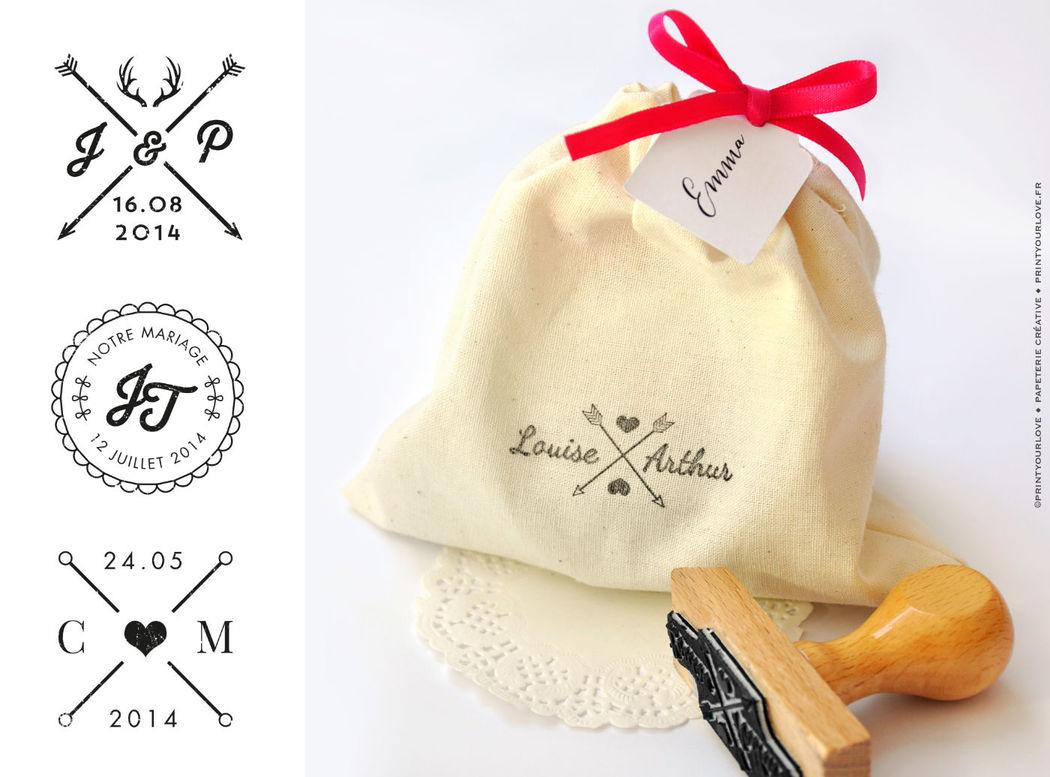 Tampon encreur personnalisé à utiliser autant sur papier que sur textile.