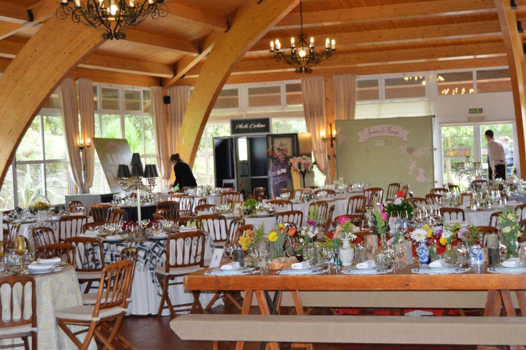 Salão Principal em Madeira de Abeto Nórdico. Salão-capacidade 300 pessoas Decoração Personalizada