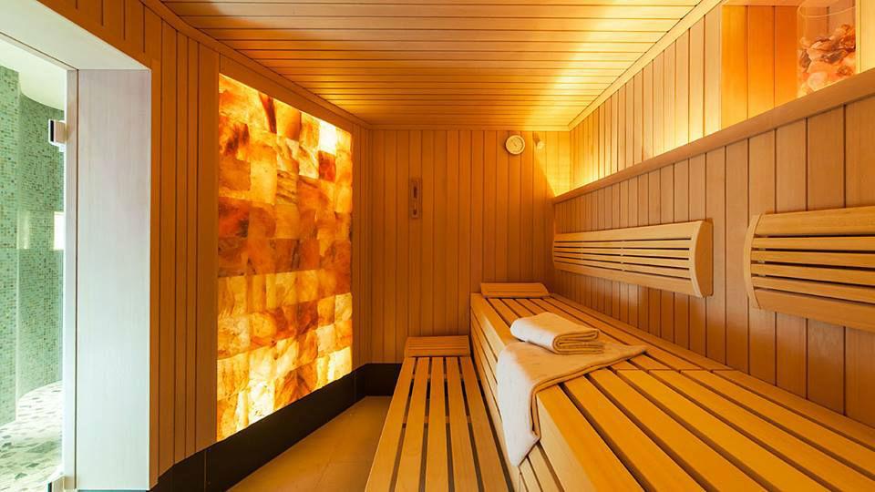 Beispiel: Sauna, Foto: Althoff Seehotel Überfahrt.