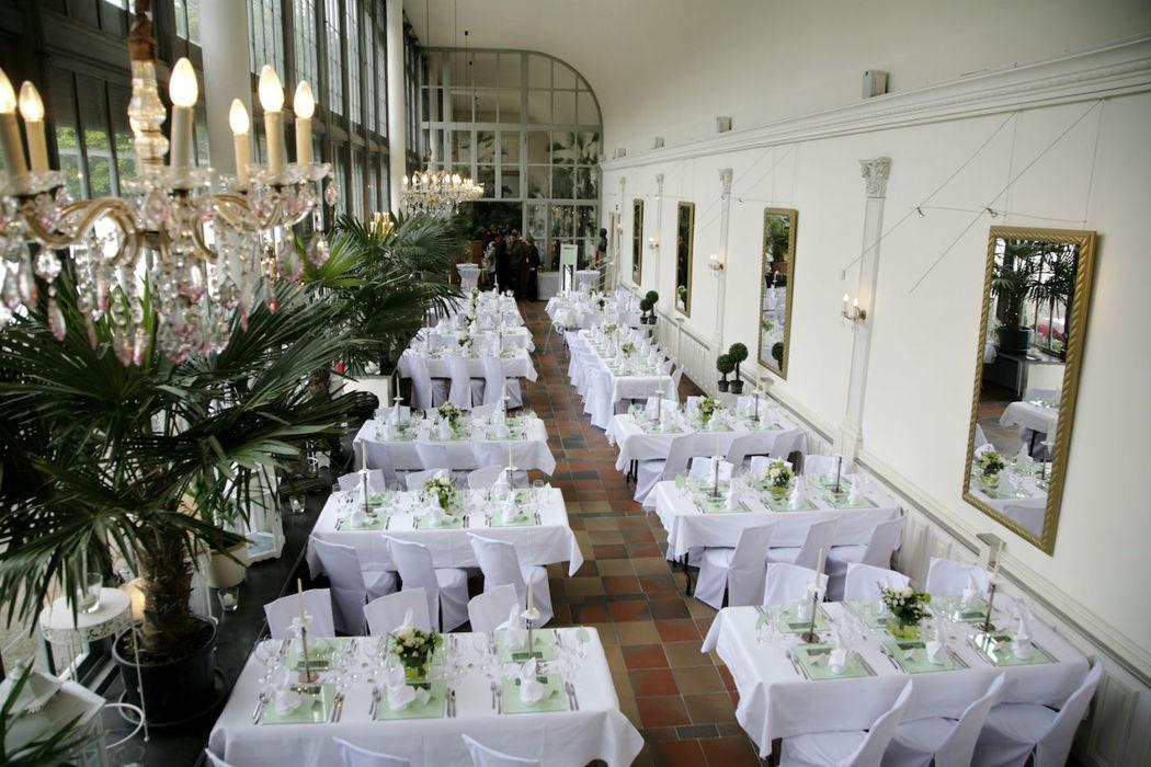 Beispiel: Hochzeitsgedeck, Foto: Schlosscafé im Palmenhaus.