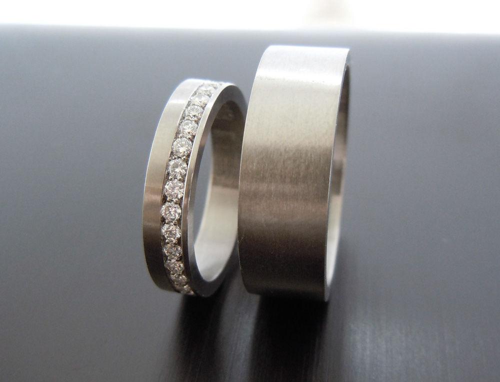 Beispiel: Palladiumringe mit Diamantbesatz, Foto: Trauringkurse-Darmstadt.de