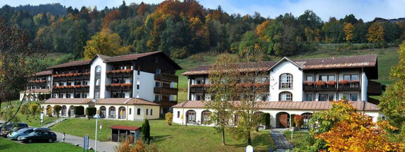 Beispiel: Vordewransicht, Foto: Mondi-Holiday Hotel Oberstauffen.