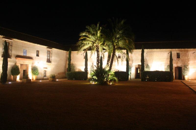 Patio interior iluminado Hacienda Molinillos