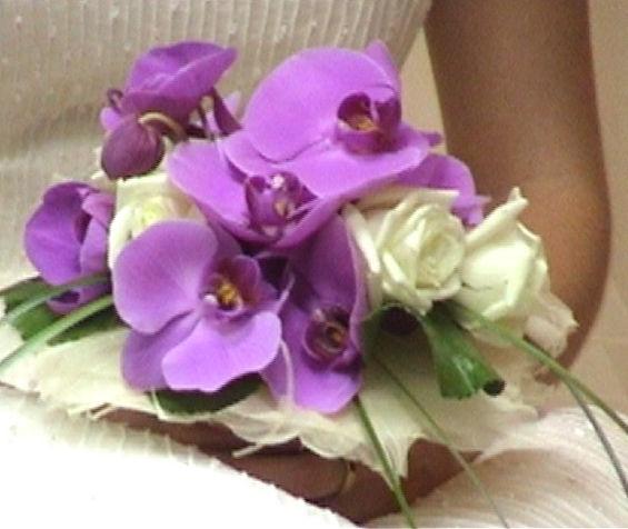 Ramo de novia con orquideas phalaenopsis.