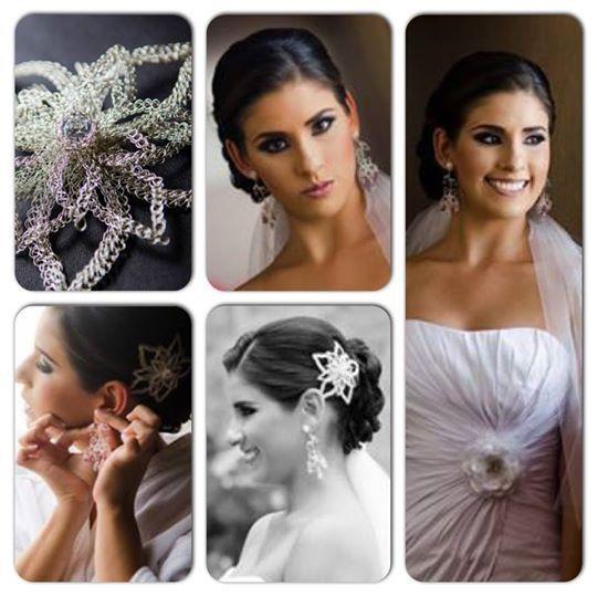 Tocado y aretes de plata y cristales swarovsky. Y flor de tela con apliques de plata y cristales. La flor de colocó la parte frontal del vestido de novia.