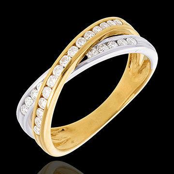 Beispiel: Zweifarbiger Ring aus Saturn-Kollektion, Foto: Edenly.