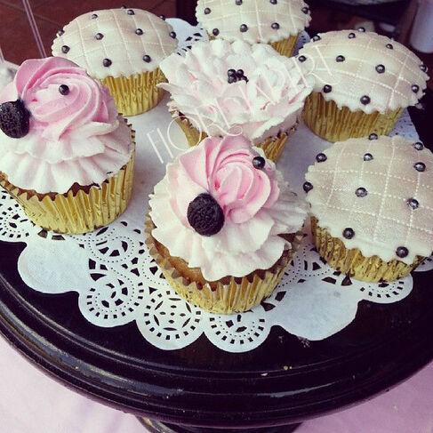 Pastelería fina de  alto  diseño. Backery & Desserts