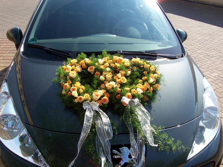 Beispiel: Hochzeitsfloristik, Foto: Sandra's Blütenzauber.