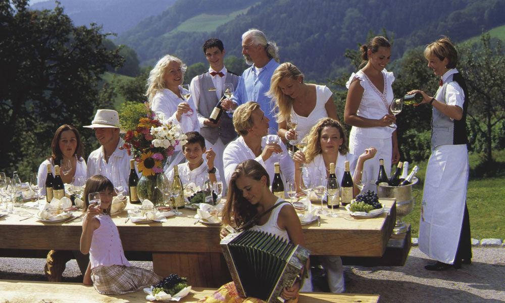 Beispiel: Ihre Hochzeit im Hotel, Foto: Dollenberg Schwarzwald Resort.