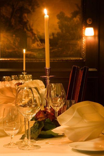 Beispiel: Tischdekoration, Foto: Zarges Restaurant.