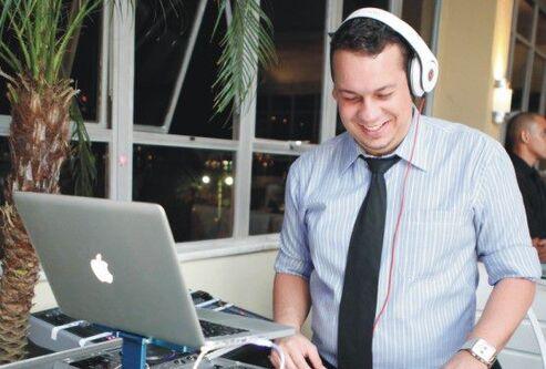 DJ Raphael Mendes