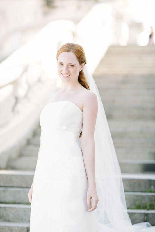 Beispiel: Brautkleid Noni-Kollektion, Foto: La Promesse Braut- und Abendmode.