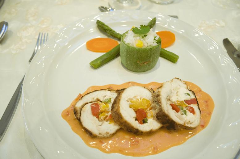 Disfruta de su banquete propio preparado con los máximos estándares de calidad - Foto Casino Colonial