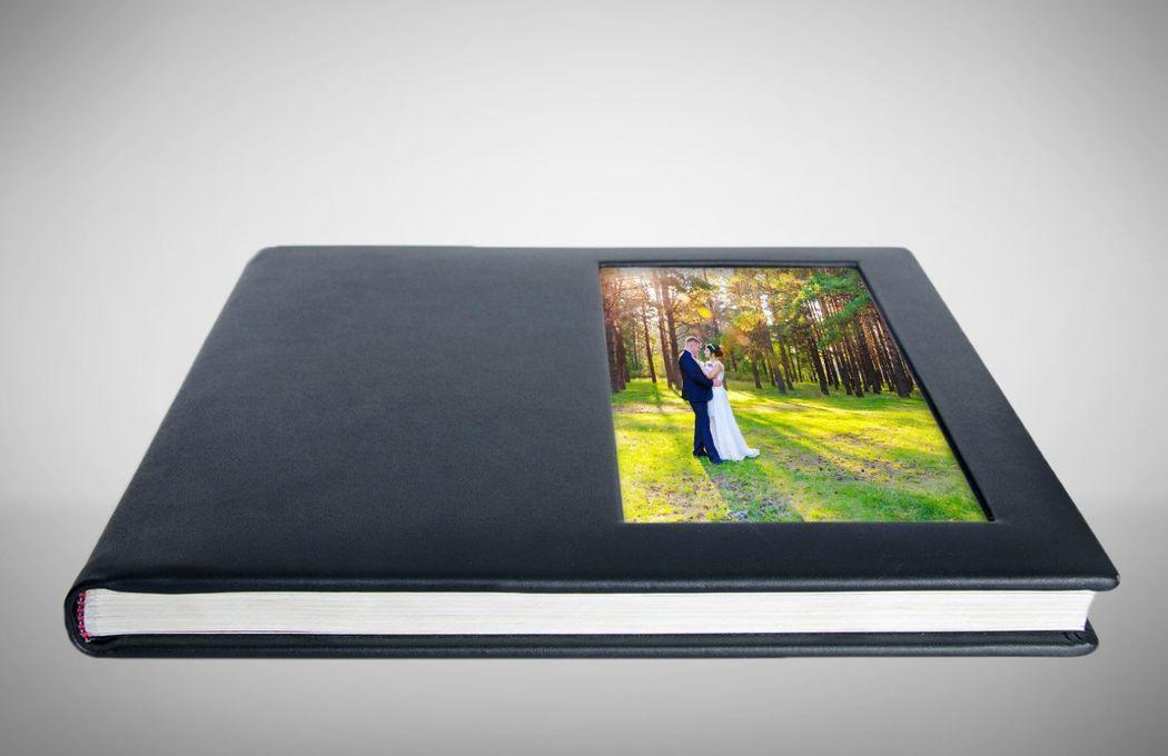 Photobook con ventana lateral
