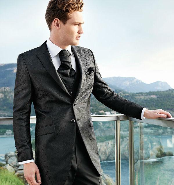 Beispiel: Anzüge mit einmaliger Passform, Foto: Milano Männermode.