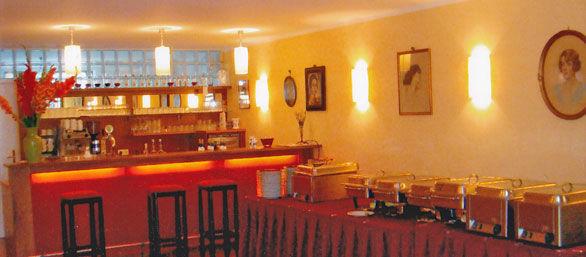 Beispiel: An Veranstaltungsraum angrenzende Bar, Foto: Schloss Urschendorf.