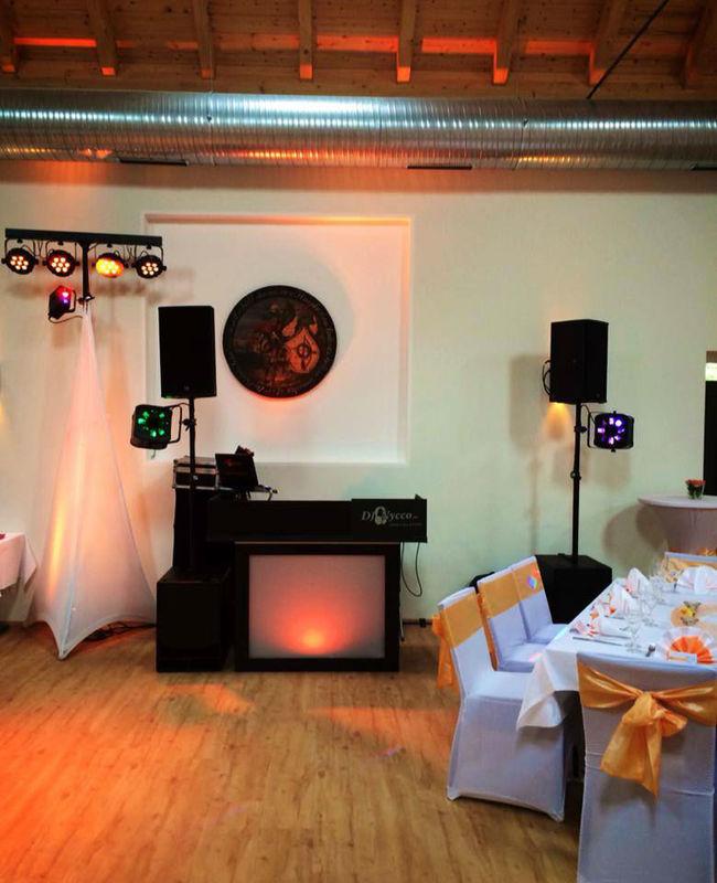 Beispiel: Ton- und Lichttechnik - Location, Foto: DJ Nycco.