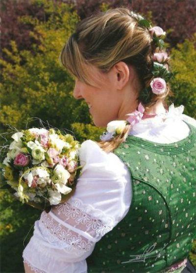 Beispiel: Mit Blumen verzaubern, Foto: Sabine Pleyer-Binder.